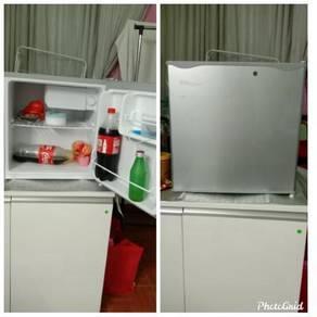Bar fridge