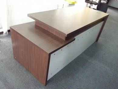 Director/Manager Table c/w mobile drawer