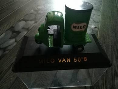 Milo Van 50's