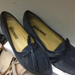 Preloved Clark Shoes