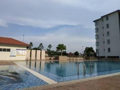 Fully furnished, Fully Grilled, pool view has Lift Warnasari 2 Puncak
