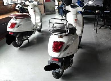 Like New Vespa Sprint 150