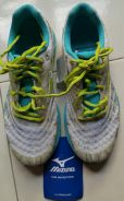 Original Mizuno Wave Sayonara sports shoes