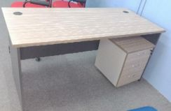 5Ft Office Table with Pedestal