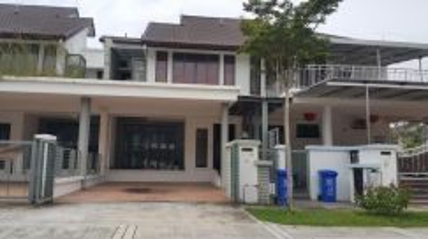 Denai Alam, Shah Alam. Below MV