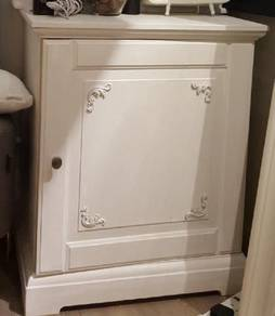 Used cabinet / side table
