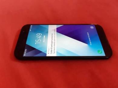 Samsung A7 2017 like new