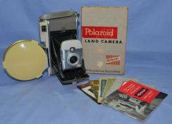 Antique polaroid land 80a camera - not digital slr