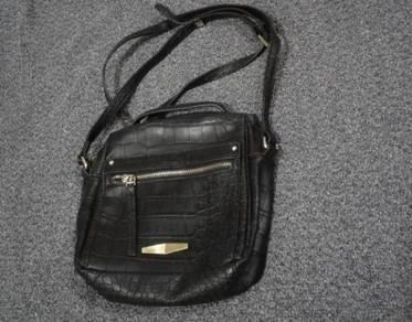 Bobby Franz Sling Bag