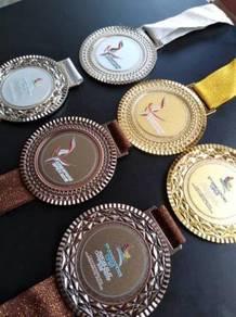 Medal Sukan & Trofi