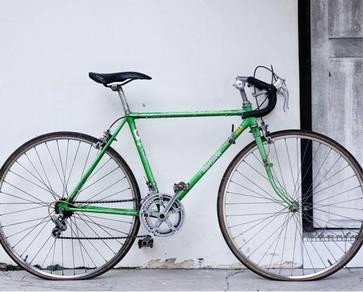 Vintage Steel Touring Bike Bridgestone Roadman