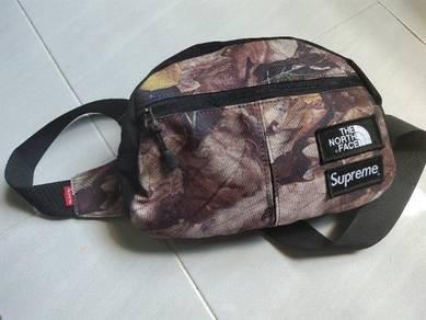 Supreme Gregory the sling bag