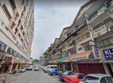 Serdang Shop Apartment Room near Serdang KTM