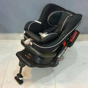 Combi Luxury Baby car seat Luxtia Turn Black