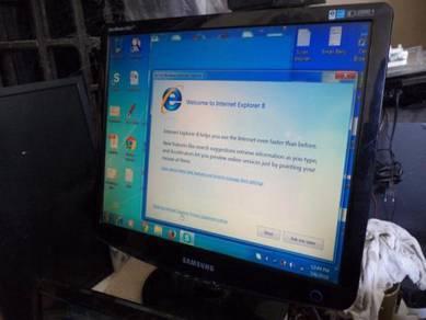 LCD Monitor 19 inci jenama samsung