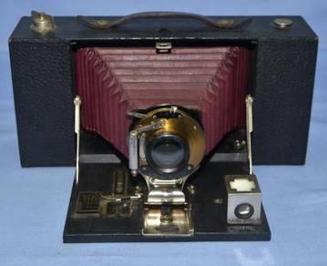 Antique kodak usa no.3a folding brownie camera