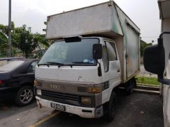 Toyota Dyna 2.4 1994 Diesel Loto Box One Owner