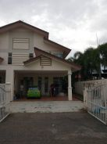Double storey Teres Nong Chik / Johor Bahru / Near CIQ / Below Market