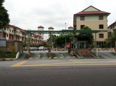 Room Villa Laman Tasik LRT Salak Selatan HUKM