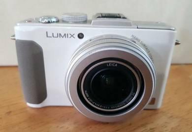 Lumix DMC-LX7 Camera