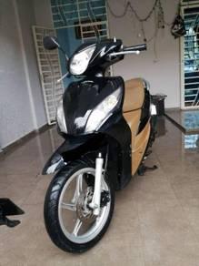Honda spacy 110 hitam manis