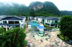 3 Storey Gated Guarded Bungalow At Ipoh Town Special Offer Price
