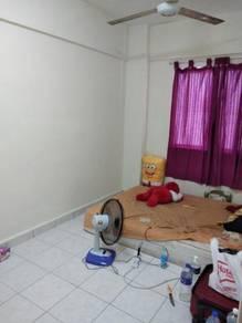 Sharing room pelangi Damansara block D