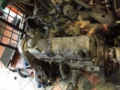 Engine & Gearbox Mercedes W123
