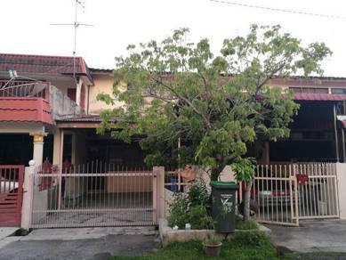 Taman Bersatu, Kuala Kedah. Double storey house.