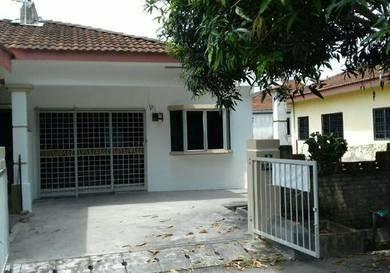 Tg Rambutan 1stry semi D Tm Bahagia. new paint.