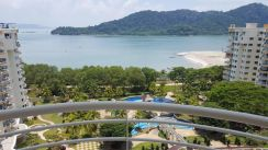Gold coast resort condominium, bayan lepas, 2 car park, value buy
