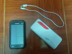 1 Set galaxy j1 mini prime serta power bank.