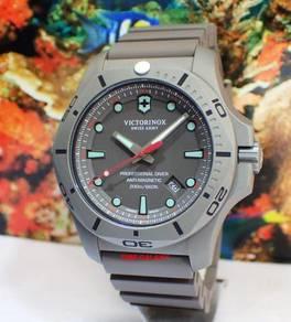Victorinox Swiss Army V241810 Men's I.N.O.X. Diver