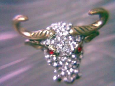 ABRB-B002 Punk Bronze Red White Crystal Bull Ring