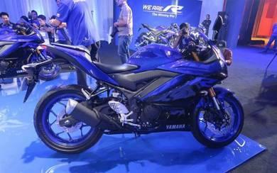 Yamaha r25 (promosi end year) promosi hebat!!