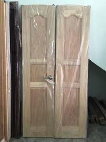 Solid wooden door (35mm x 41x83)