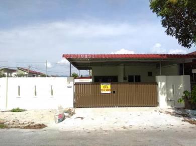 Nice Spacious 1 Sty Corner House at Medan Klebang Restu , Chemor