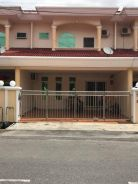 Double storey terrace intermediate , behind merdeka mall Miri