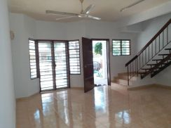 Teres 2 Storey Puncak Alam Fasa 3 Fully Tiles whole House 310k Only