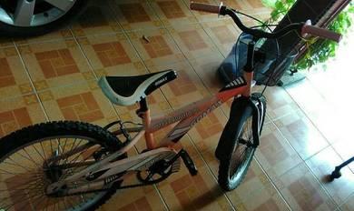 Basikal (gomax)* -sesuai untk kanak2-