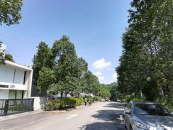 3 storey Bungalow Courtyard home - freehold - 20trees Tmn melawati