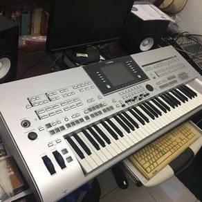 Yamaha Keyboard Tyros 4 workstation