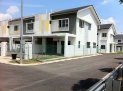 Nusa bayu 2 storey end lot(can full loan)