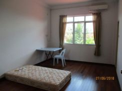 Rooms for Rent at Lutong