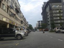 Shoplot tingkat 2 di Rinching