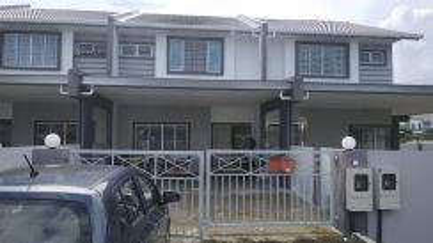 DS Intermediate House At Uni Garden Kota Samarahan Near Unimas