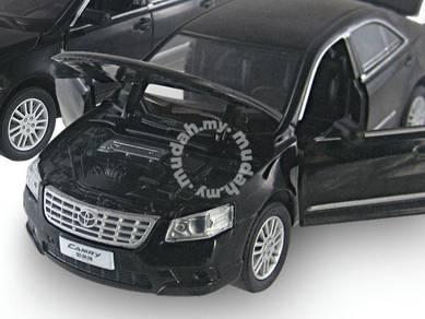1:32 Model Koleksi lampu/sound - 2010 Camry hitam
