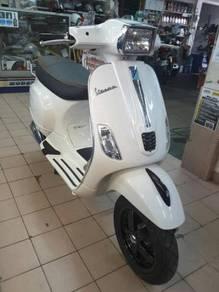 Vespa s 125 s125 lx150 free petrol voucher