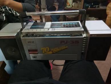 Radio akai