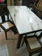 Dining table / Meja makan
